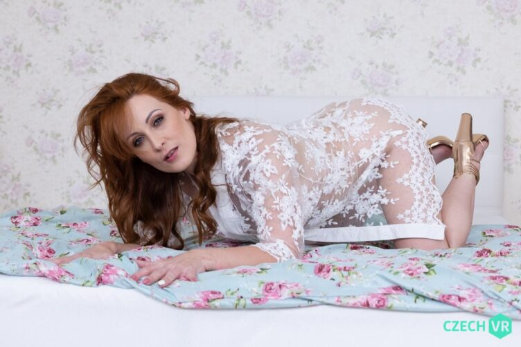 GERMAN REDHEAD AT YOUR SERVICE – ISABELLA LUI