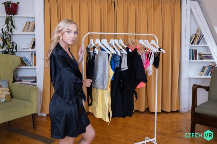 Dressing up – Jenny Wild